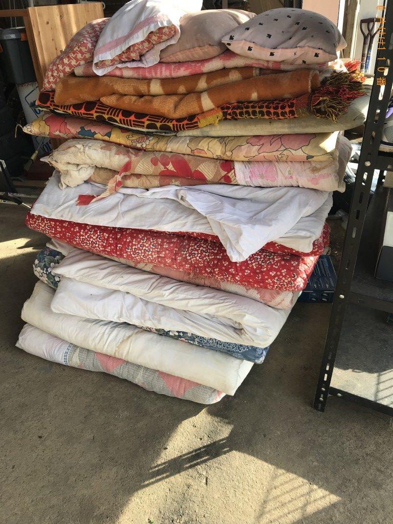 【北杜市長坂町】折り畳みベッド、布団、座椅子等の回収・処分ご依頼